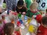 Děti malují zvířátka